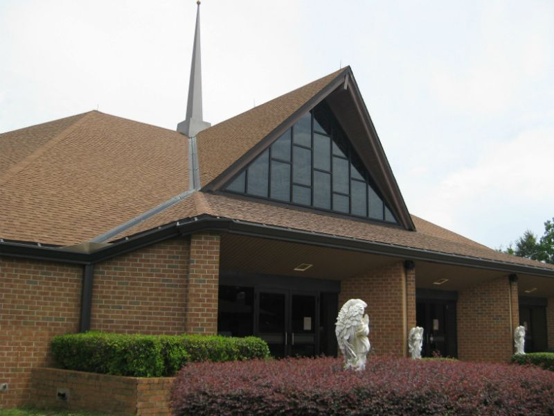 Side view of St Mary Catholic Church in Pensacola, FL (850)478-2797